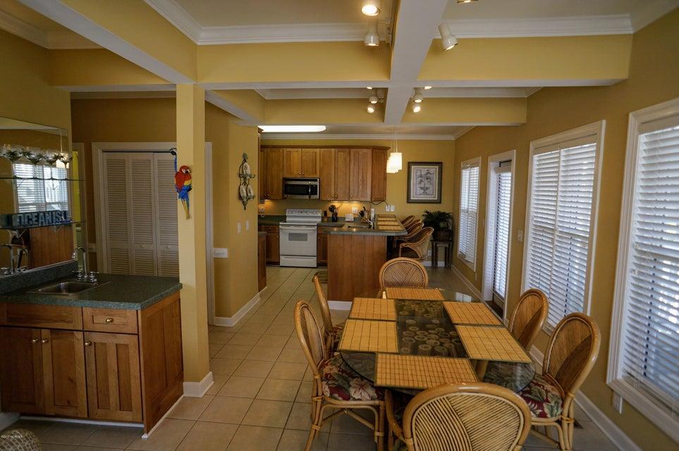Islander Resort Real Estate - http://cdn.resize.sparkplatform.com/ncr/1024x768/true/20171019185340970663000000-o.jpg