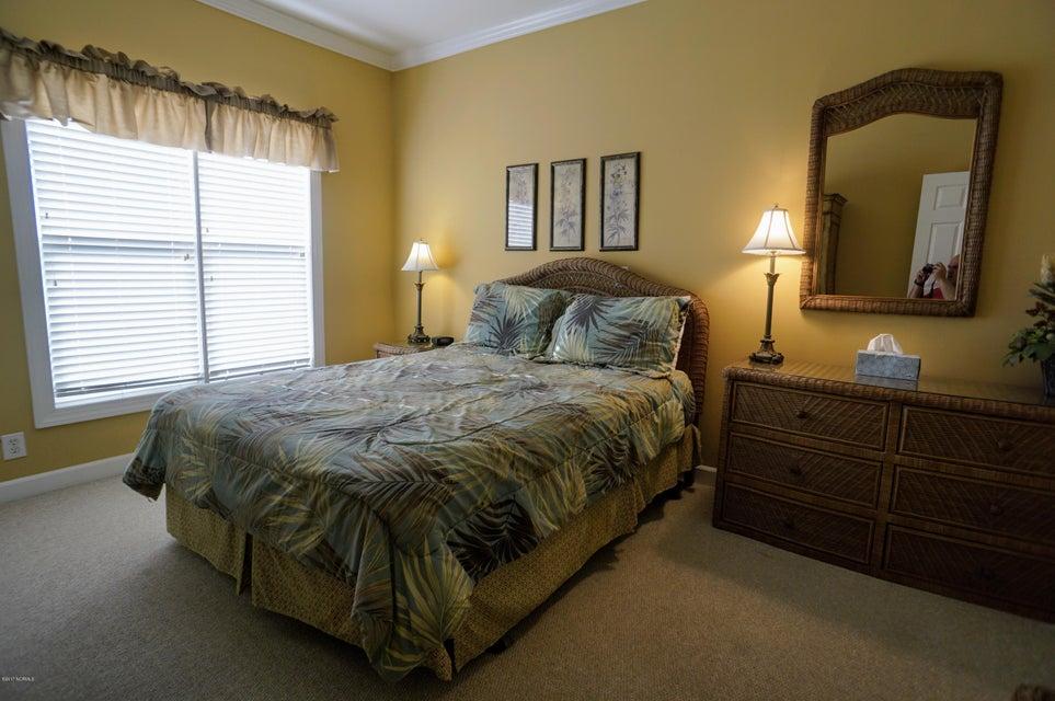 Islander Resort Real Estate - http://cdn.resize.sparkplatform.com/ncr/1024x768/true/20171019185348641905000000-o.jpg