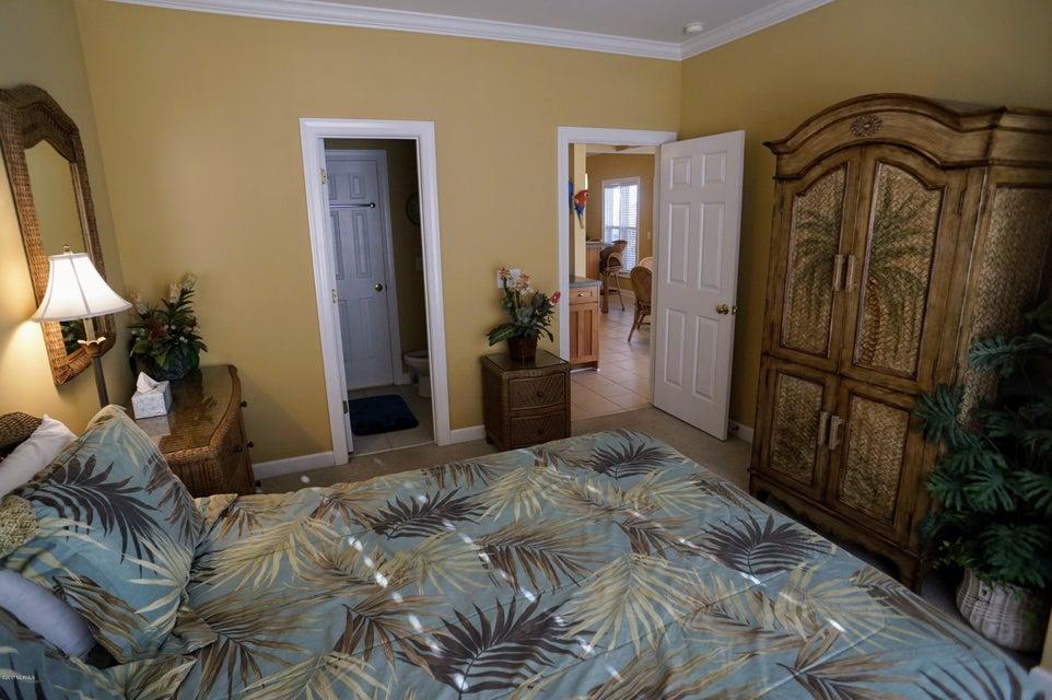 Islander Resort Real Estate - http://cdn.resize.sparkplatform.com/ncr/1024x768/true/20171019185351327064000000-o.jpg