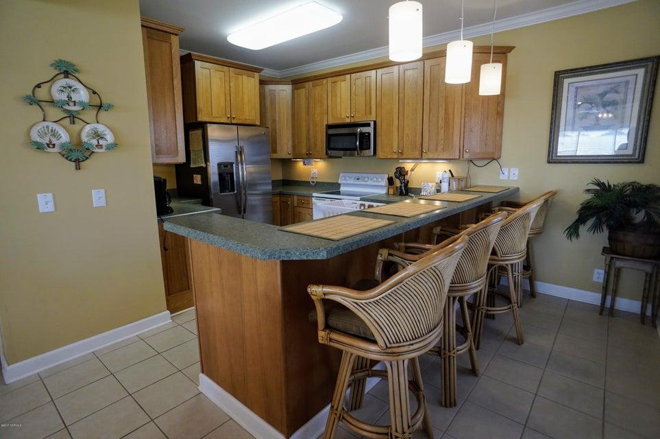 Islander Resort Real Estate - http://cdn.resize.sparkplatform.com/ncr/1024x768/true/20171019185354334308000000-o.jpg