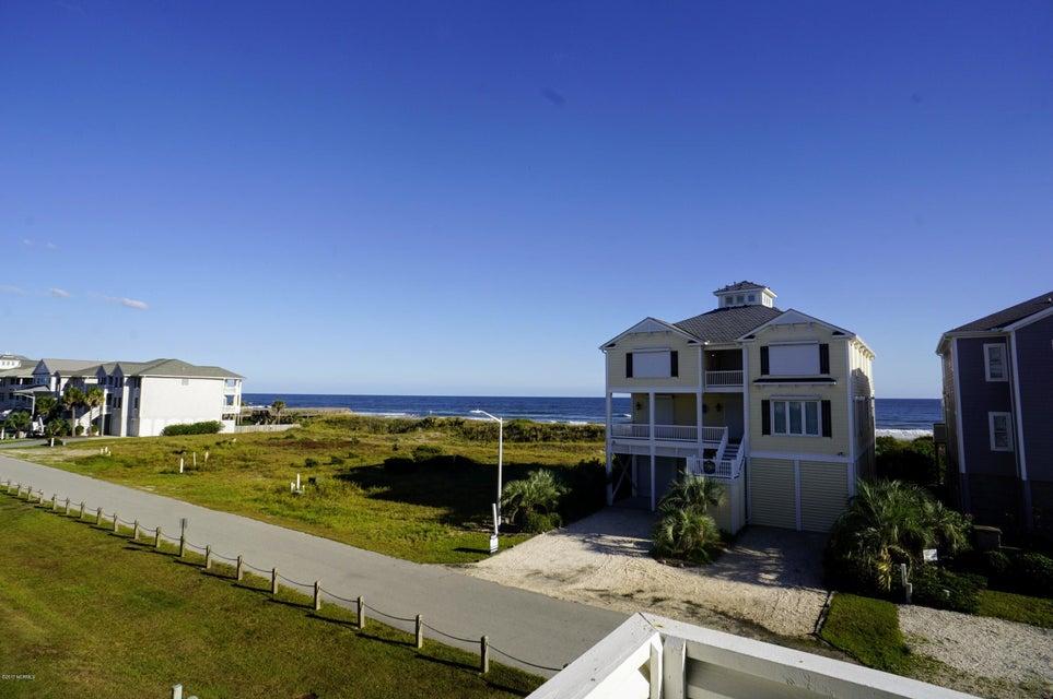 Islander Resort Real Estate - http://cdn.resize.sparkplatform.com/ncr/1024x768/true/20171019185417164347000000-o.jpg