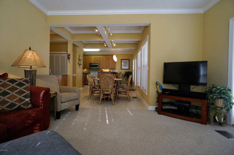 Islander Resort Real Estate - http://cdn.resize.sparkplatform.com/ncr/1024x768/true/20171019185424093594000000-o.jpg