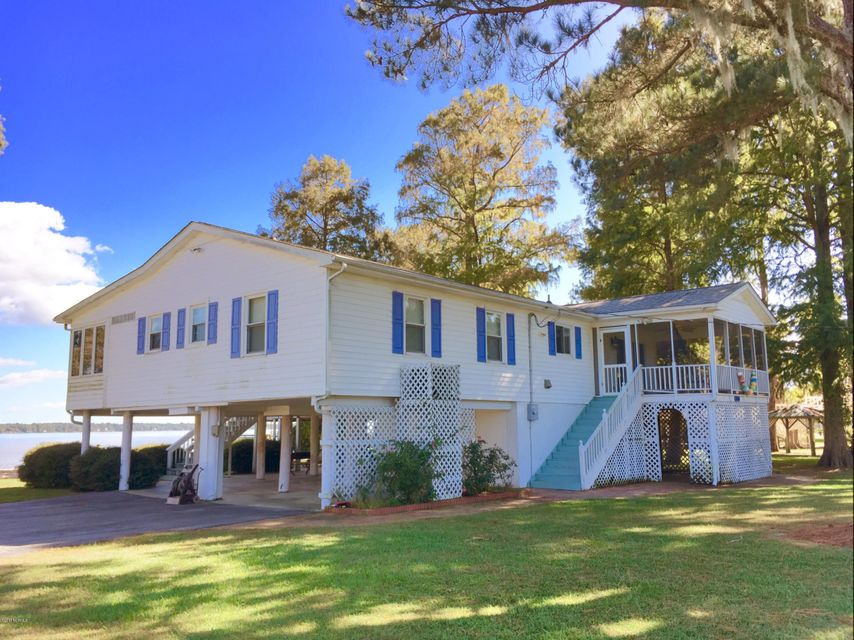 Property for sale at 836 E Bayside Drive, Chocowinity,  NC 27817