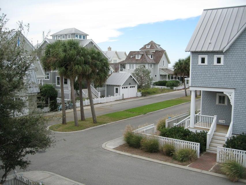 BHI Harbour Village Real Estate - http://cdn.resize.sparkplatform.com/ncr/1024x768/true/20171023151454989407000000-o.jpg