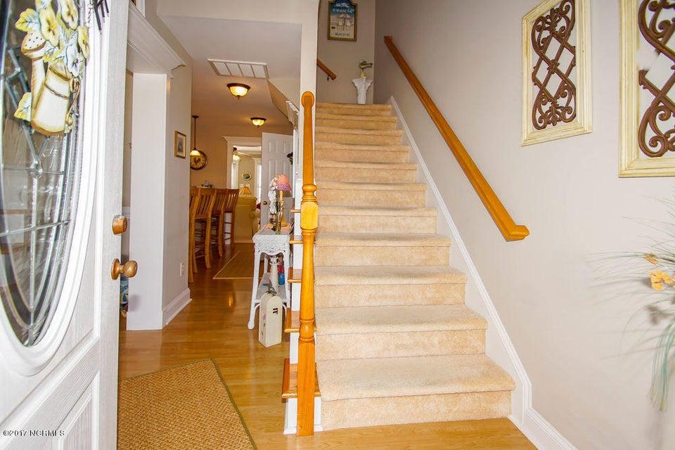Rhoda McMillan Real Estate - http://cdn.resize.sparkplatform.com/ncr/1024x768/true/20171023201417084418000000-o.jpg