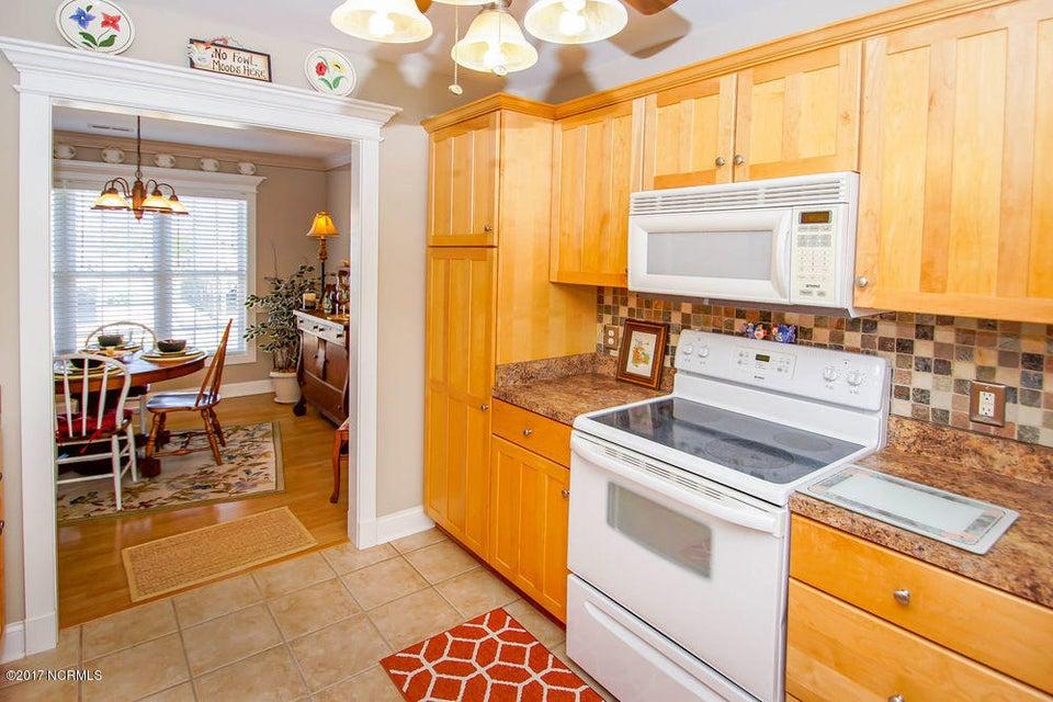 Rhoda McMillan Real Estate - http://cdn.resize.sparkplatform.com/ncr/1024x768/true/20171023201435481034000000-o.jpg