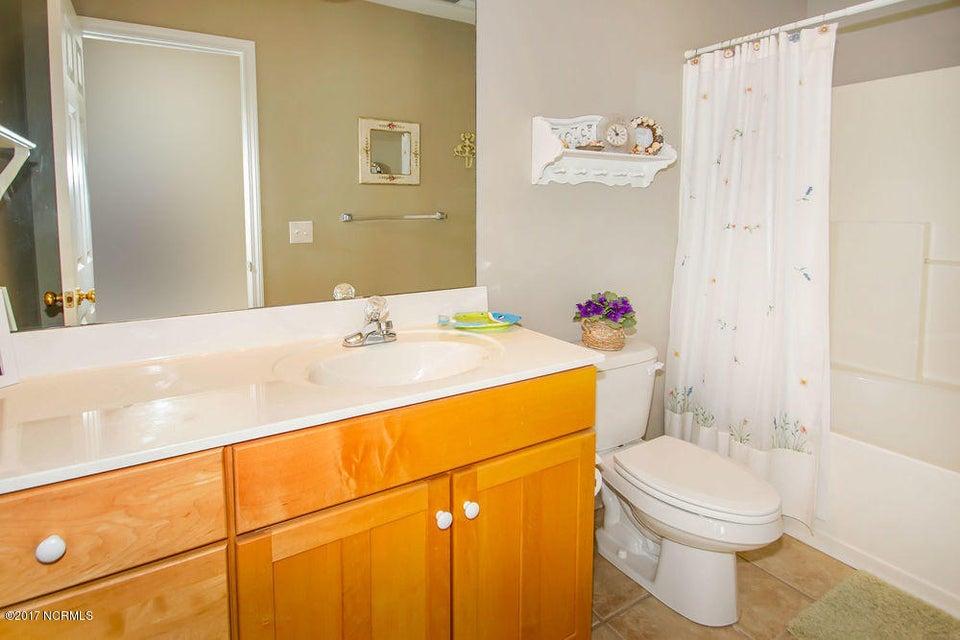 Rhoda McMillan Real Estate - http://cdn.resize.sparkplatform.com/ncr/1024x768/true/20171023201456070043000000-o.jpg