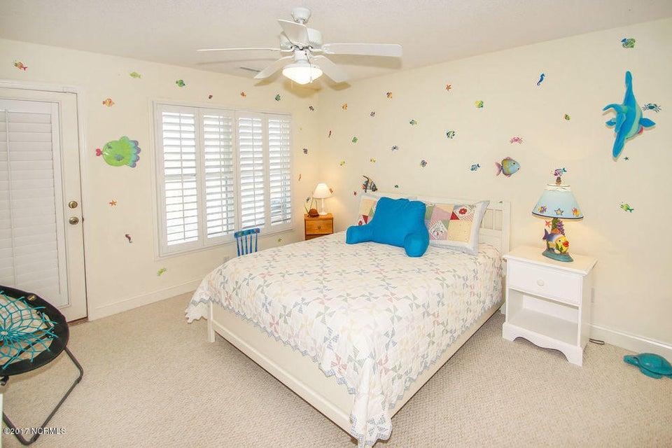 Holden Beach West Real Estate - http://cdn.resize.sparkplatform.com/ncr/1024x768/true/20171024135344634003000000-o.jpg
