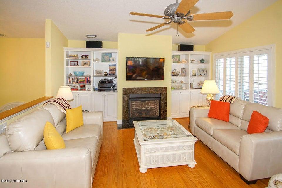 Holden Beach West Real Estate - http://cdn.resize.sparkplatform.com/ncr/1024x768/true/20171024135351159170000000-o.jpg
