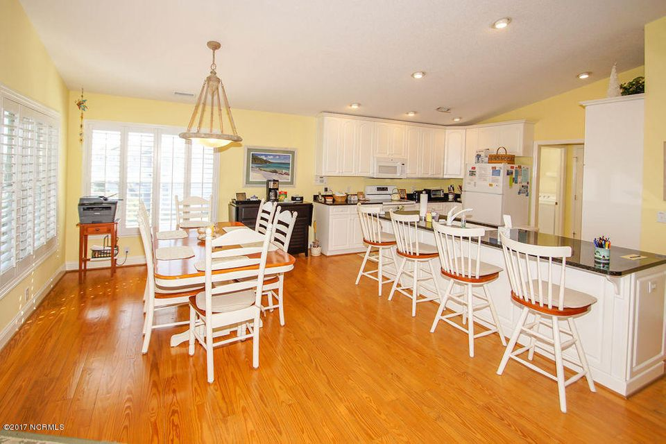 Holden Beach West Real Estate - http://cdn.resize.sparkplatform.com/ncr/1024x768/true/20171024135354342802000000-o.jpg
