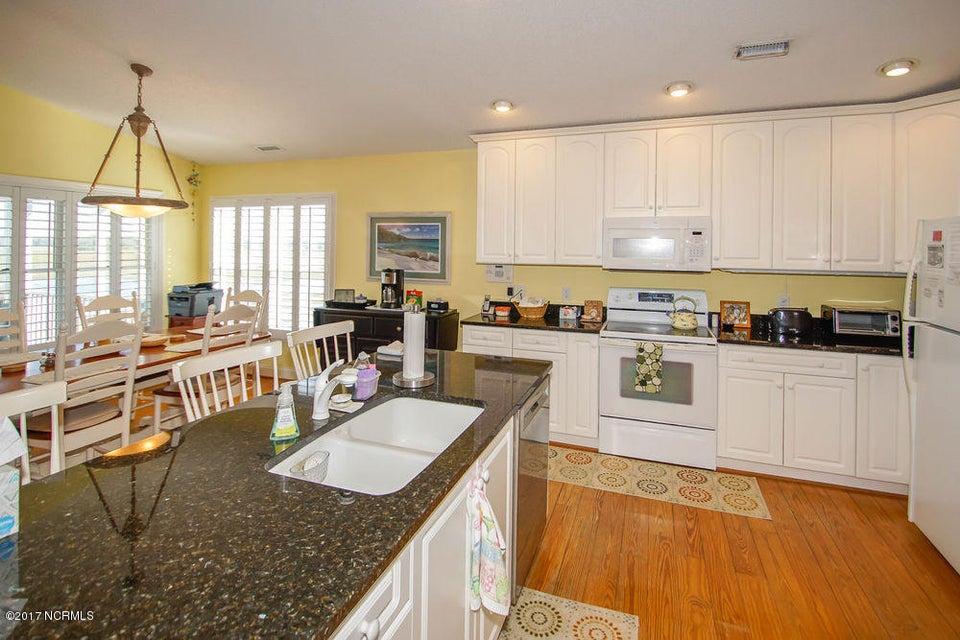 Holden Beach West Real Estate - http://cdn.resize.sparkplatform.com/ncr/1024x768/true/20171024135356337017000000-o.jpg
