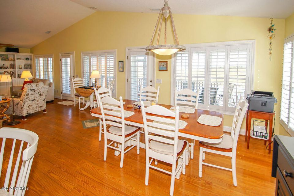 Holden Beach West Real Estate - http://cdn.resize.sparkplatform.com/ncr/1024x768/true/20171024135400344165000000-o.jpg