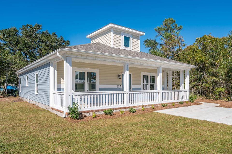 127 NE 7TH Street Oak Island, NC 28465