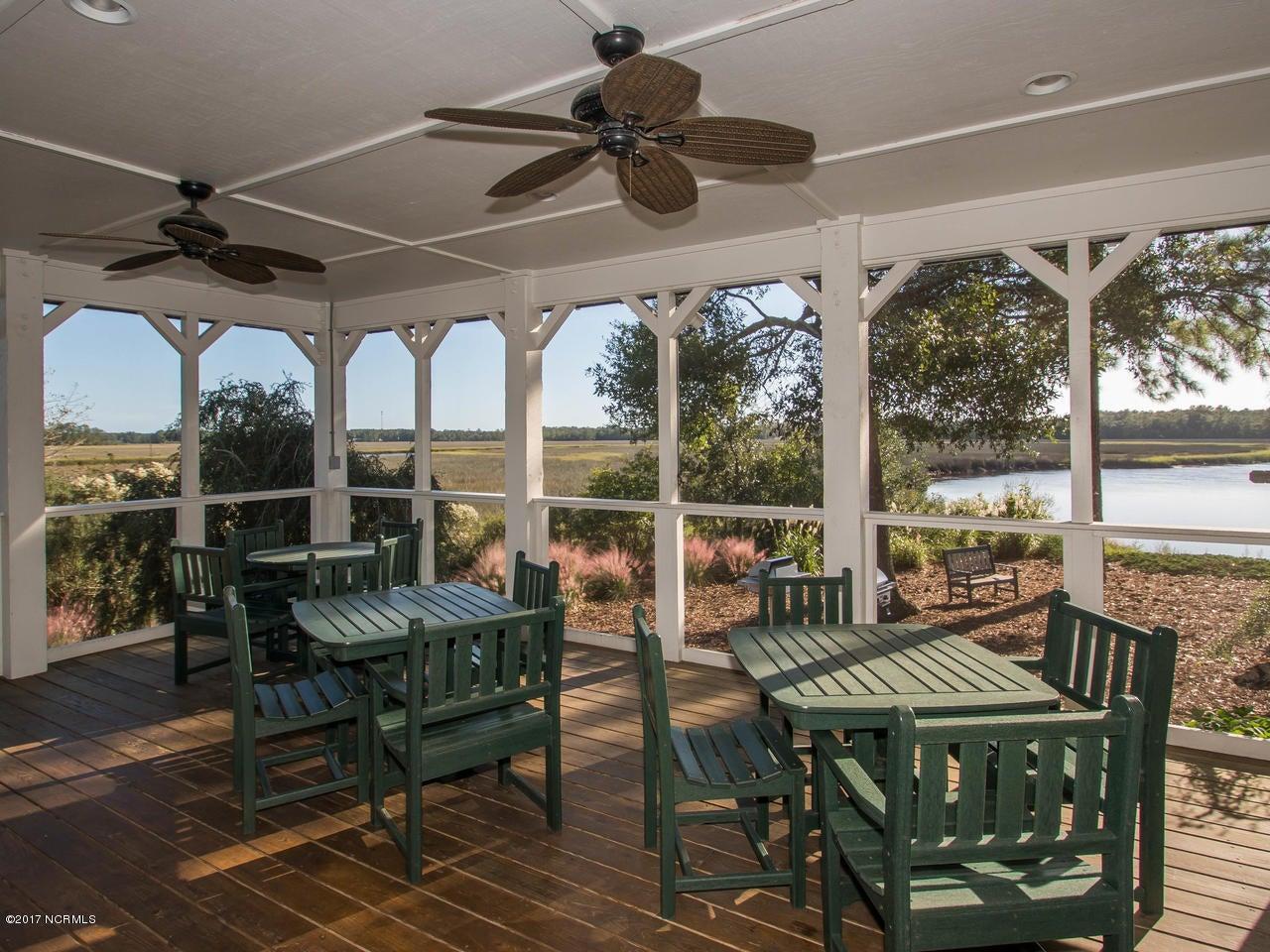 Winding River Plantation Real Estate - http://cdn.resize.sparkplatform.com/ncr/1024x768/true/20171027134935479186000000-o.jpg