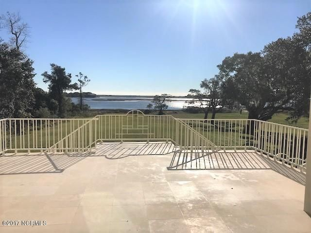 Masonboro Sound Real Estate - http://cdn.resize.sparkplatform.com/ncr/1024x768/true/20171030202310752853000000-o.jpg