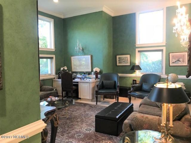 Masonboro Sound Real Estate - http://cdn.resize.sparkplatform.com/ncr/1024x768/true/20171030202409314877000000-o.jpg