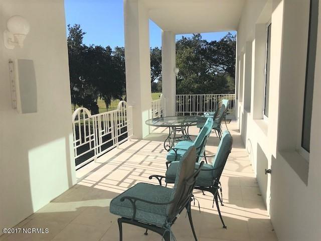 Masonboro Sound Real Estate - http://cdn.resize.sparkplatform.com/ncr/1024x768/true/20171030202429507955000000-o.jpg