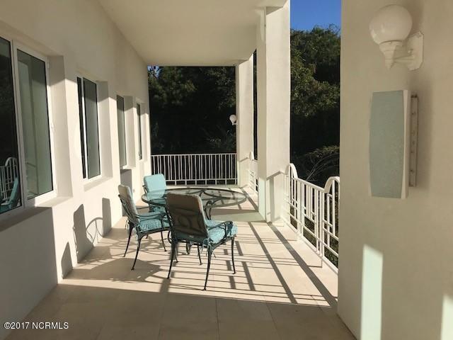 Masonboro Sound Real Estate - http://cdn.resize.sparkplatform.com/ncr/1024x768/true/20171030202430753163000000-o.jpg