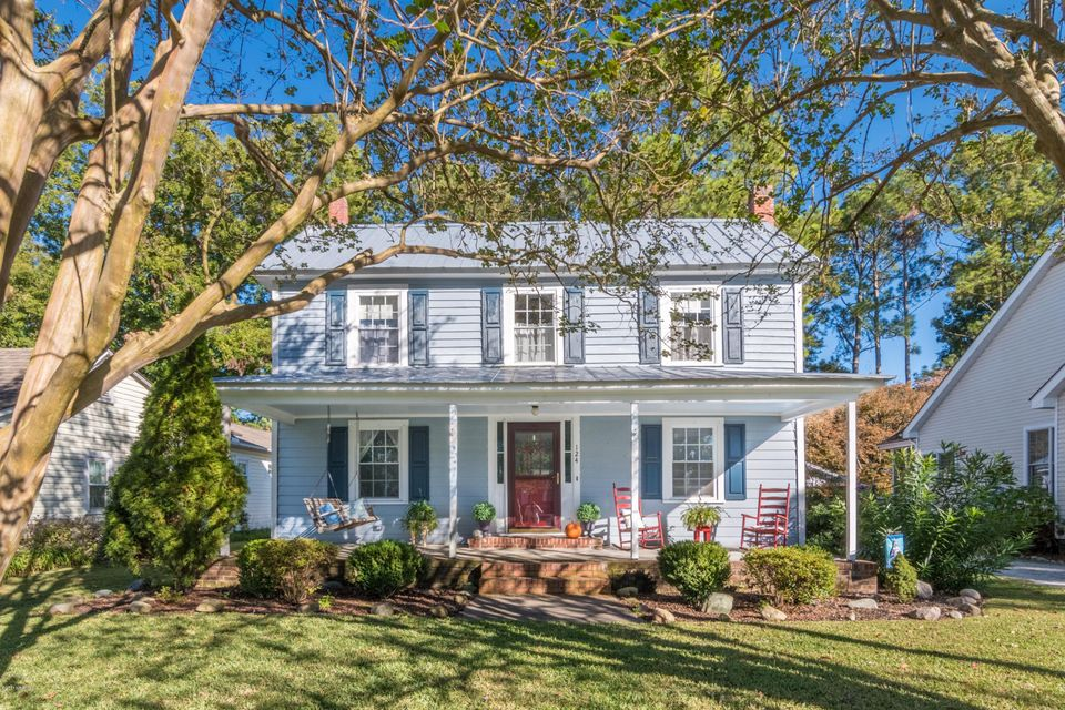 Property for sale at 124 S Main Street, Bath,  NC 27808