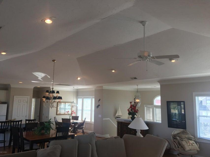 Bacon Island Harbor Real Estate - http://cdn.resize.sparkplatform.com/ncr/1024x768/true/20171102211102459187000000-o.jpg
