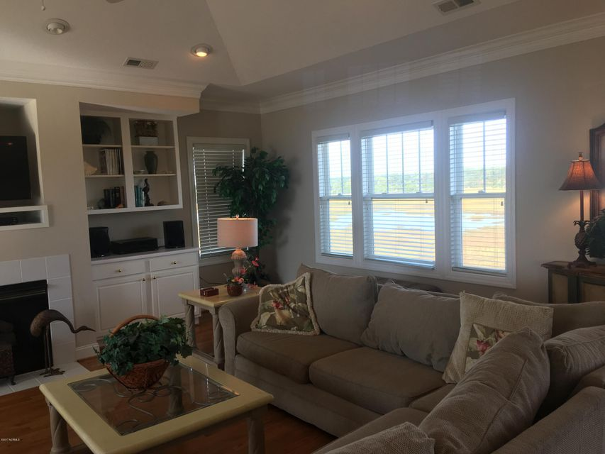 Bacon Island Harbor Real Estate - http://cdn.resize.sparkplatform.com/ncr/1024x768/true/20171102211227817457000000-o.jpg