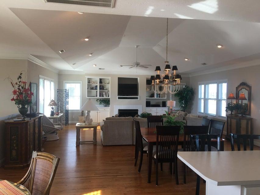 Bacon Island Harbor Real Estate - http://cdn.resize.sparkplatform.com/ncr/1024x768/true/20171102211252043126000000-o.jpg