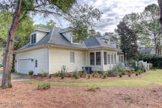 Porters Neck Plantation Real Estate - http://cdn.resize.sparkplatform.com/ncr/1024x768/true/20171103142714120489000000-o.jpg