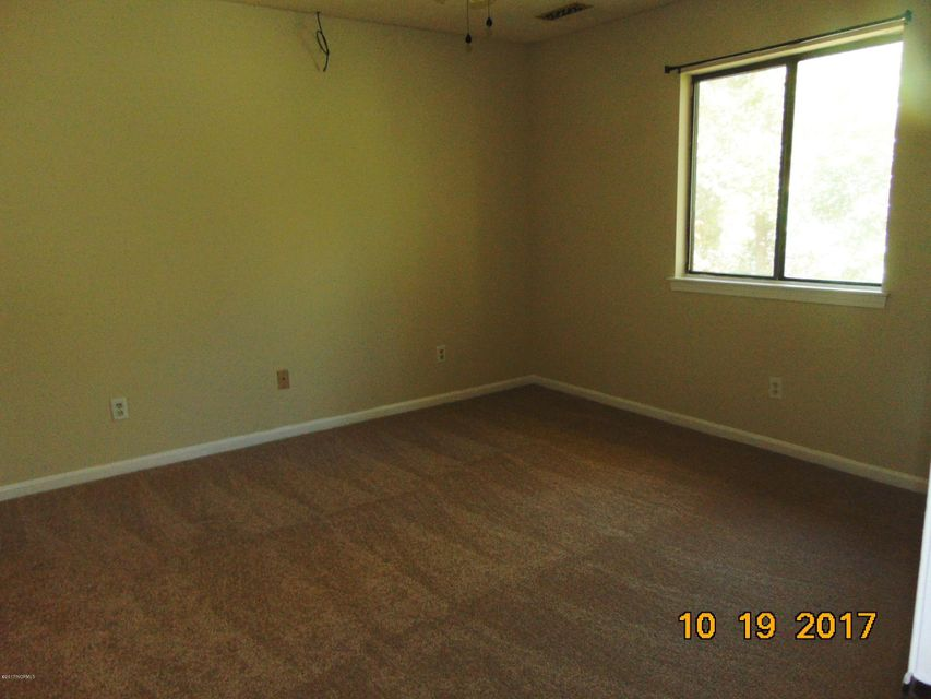 Candlewyck Real Estate - http://cdn.resize.sparkplatform.com/ncr/1024x768/true/20171103165137173394000000-o.jpg