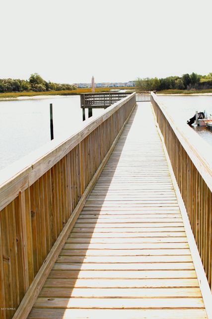 Ocean View Landing Real Estate - http://cdn.resize.sparkplatform.com/ncr/1024x768/true/20171106155038901989000000-o.jpg