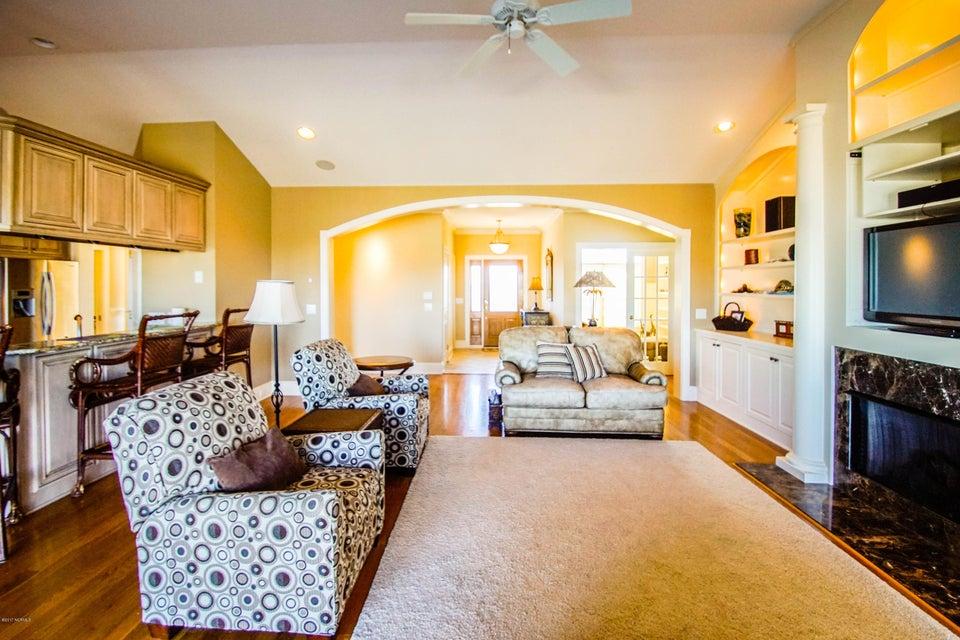 Turtle Creek Real Estate - http://cdn.resize.sparkplatform.com/ncr/1024x768/true/20171106220741915993000000-o.jpg