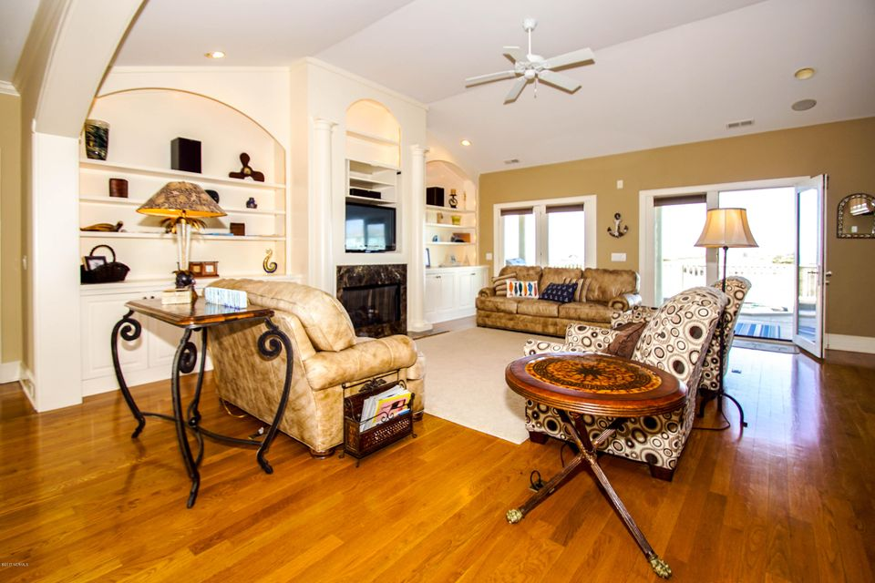Turtle Creek Real Estate - http://cdn.resize.sparkplatform.com/ncr/1024x768/true/20171106221006936892000000-o.jpg