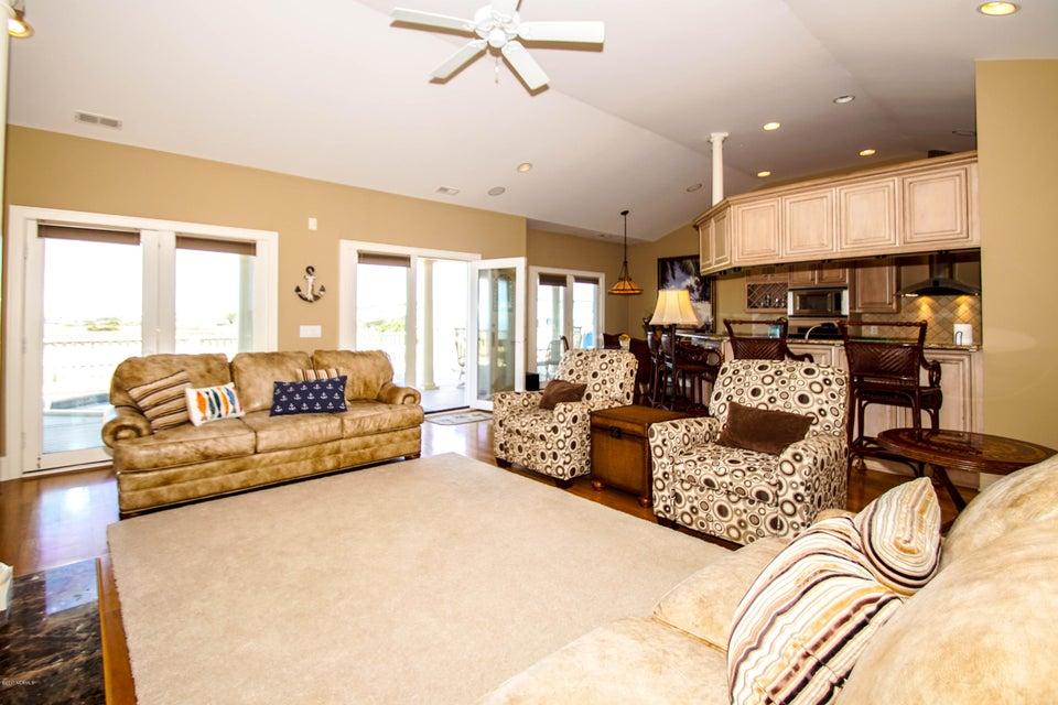 Turtle Creek Real Estate - http://cdn.resize.sparkplatform.com/ncr/1024x768/true/20171106223920291029000000-o.jpg