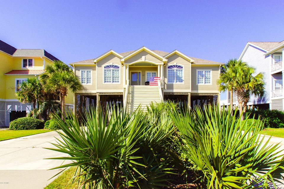 Turtle Creek Real Estate - http://cdn.resize.sparkplatform.com/ncr/1024x768/true/20171106230101741340000000-o.jpg