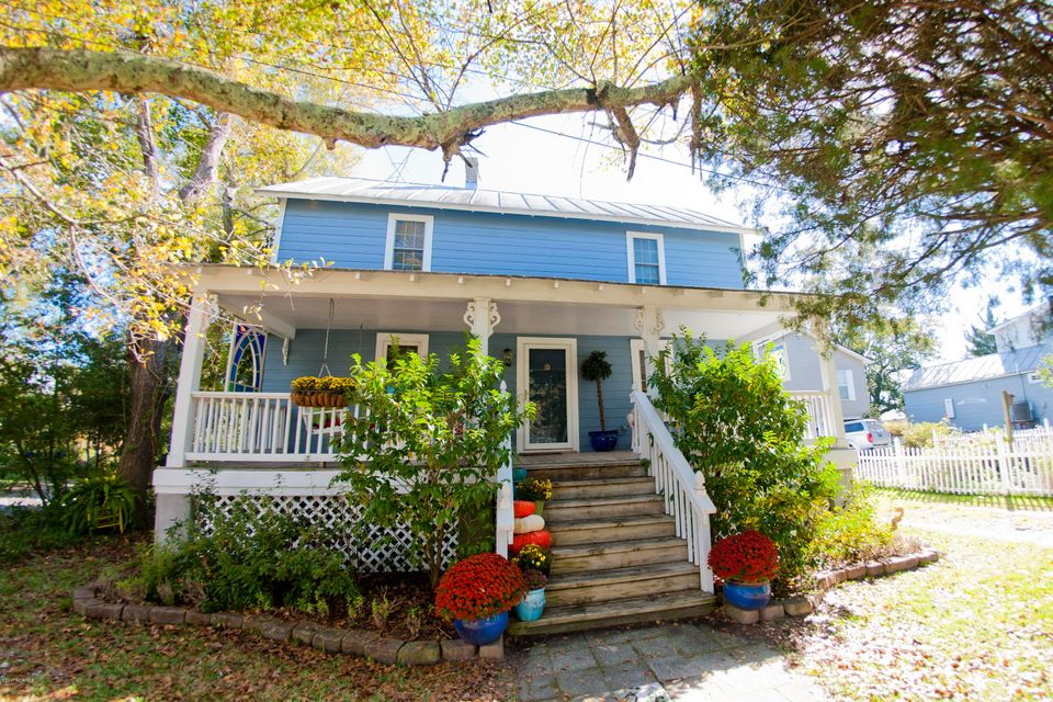 408 Water Street,Oriental,North Carolina,3 Bedrooms Bedrooms,7 Rooms Rooms,2 BathroomsBathrooms,Single family residence,Water,100089581