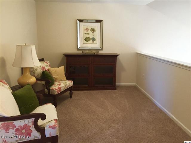 Beacon Townes Real Estate - http://cdn.resize.sparkplatform.com/ncr/1024x768/true/20171116210349670183000000-o.jpg