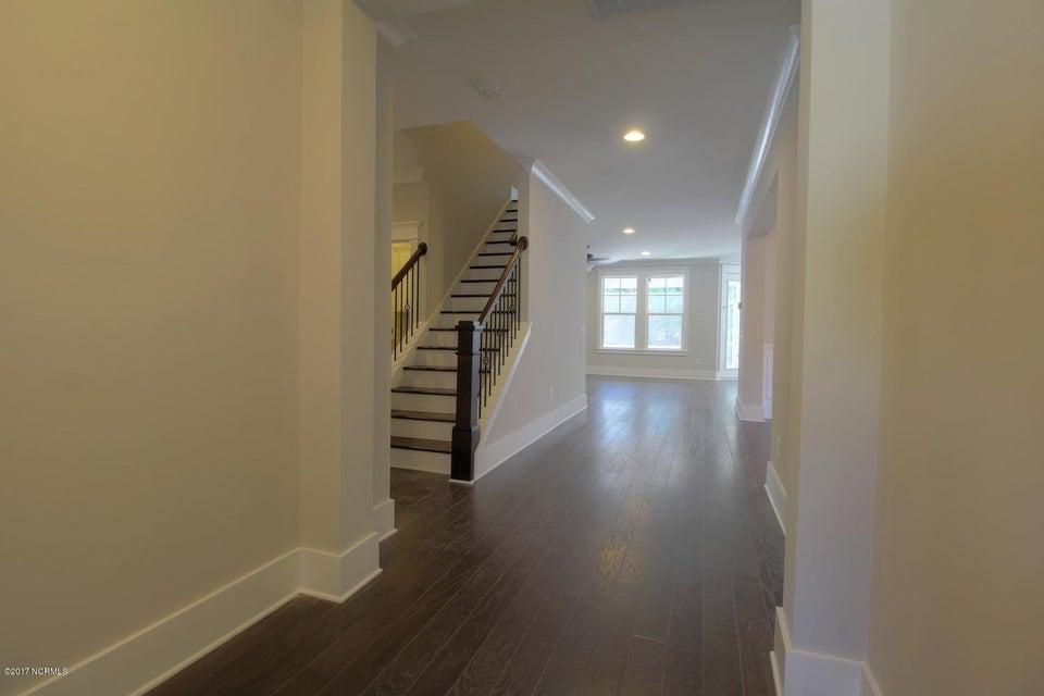 Landfall Real Estate - http://cdn.resize.sparkplatform.com/ncr/1024x768/true/20171117175021819638000000-o.jpg