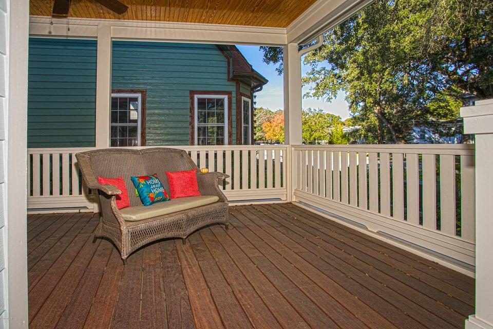 Smith & Weeks Real Estate - http://cdn.resize.sparkplatform.com/ncr/1024x768/true/20171121163624380718000000-o.jpg