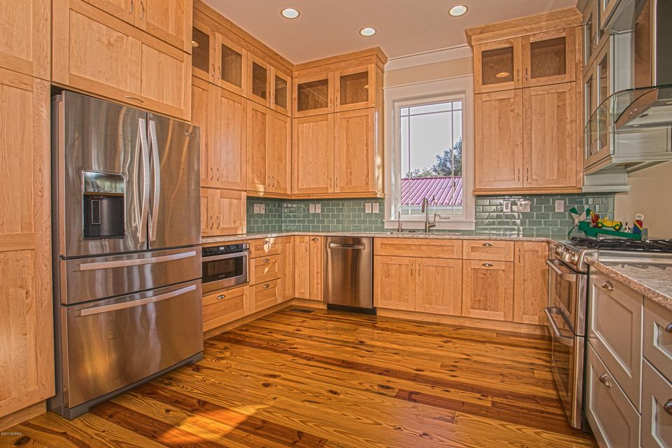 Smith & Weeks Real Estate - http://cdn.resize.sparkplatform.com/ncr/1024x768/true/20171121163952284791000000-o.jpg