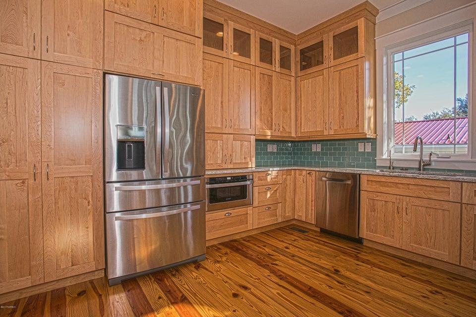 Smith & Weeks Real Estate - http://cdn.resize.sparkplatform.com/ncr/1024x768/true/20171121164037056734000000-o.jpg