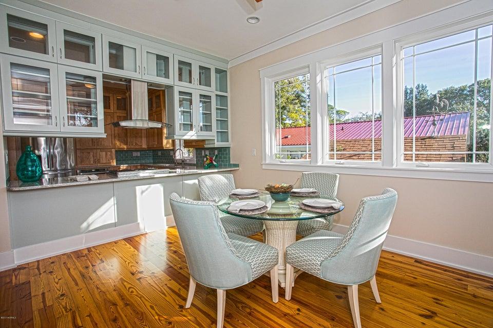 Smith & Weeks Real Estate - http://cdn.resize.sparkplatform.com/ncr/1024x768/true/20171121164107918194000000-o.jpg