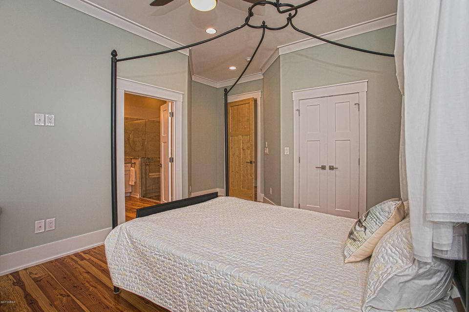 Smith & Weeks Real Estate - http://cdn.resize.sparkplatform.com/ncr/1024x768/true/20171121164157930642000000-o.jpg
