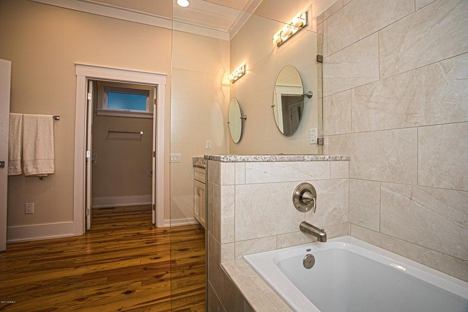 Smith & Weeks Real Estate - http://cdn.resize.sparkplatform.com/ncr/1024x768/true/20171121164257758719000000-o.jpg