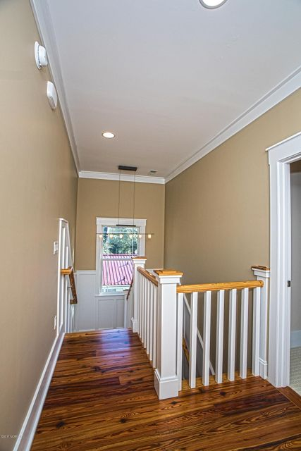 Smith & Weeks Real Estate - http://cdn.resize.sparkplatform.com/ncr/1024x768/true/20171121164318411483000000-o.jpg