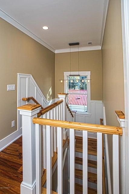 Smith & Weeks Real Estate - http://cdn.resize.sparkplatform.com/ncr/1024x768/true/20171121164329463960000000-o.jpg