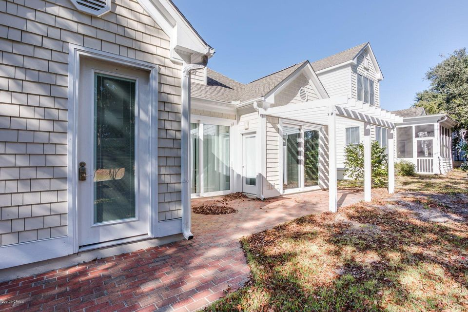 Porters Neck Plantation Real Estate - http://cdn.resize.sparkplatform.com/ncr/1024x768/true/20171201153709720614000000-o.jpg