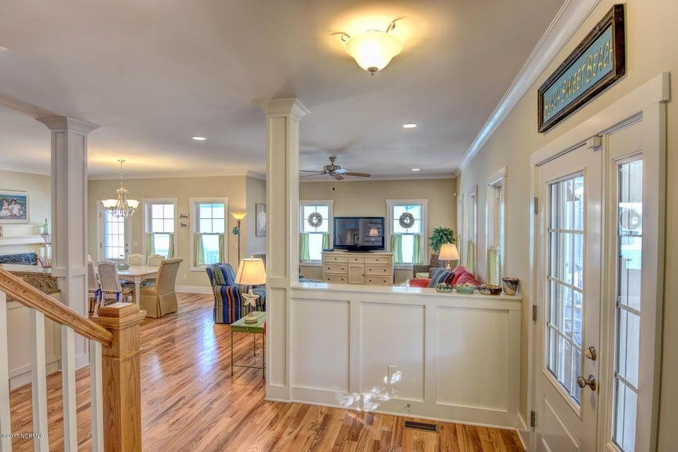 Live Oak Village Real Estate - http://cdn.resize.sparkplatform.com/ncr/1024x768/true/20171201164841079338000000-o.jpg