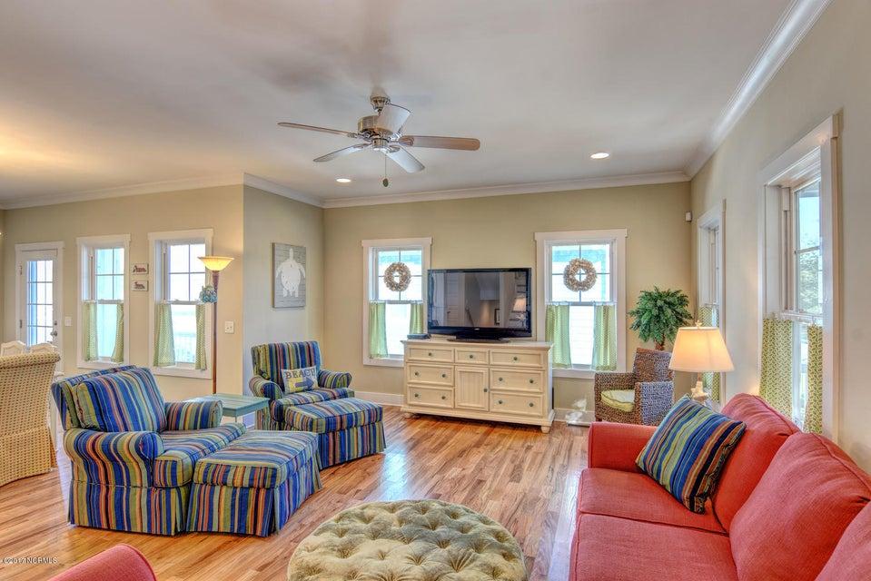 Live Oak Village Real Estate - http://cdn.resize.sparkplatform.com/ncr/1024x768/true/20171201164842472515000000-o.jpg