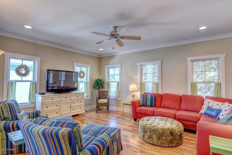 Live Oak Village Real Estate - http://cdn.resize.sparkplatform.com/ncr/1024x768/true/20171201164844068072000000-o.jpg