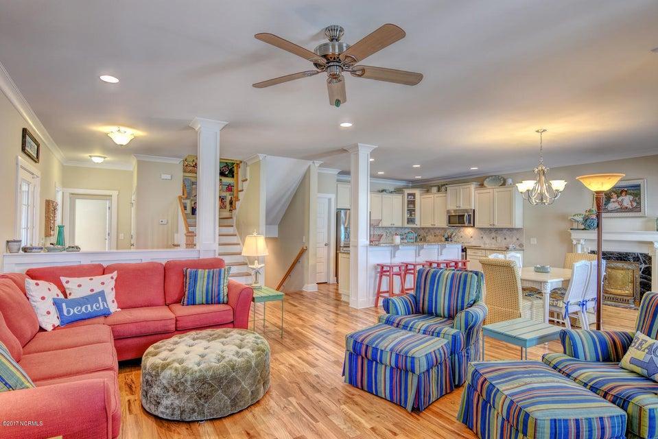 Live Oak Village Real Estate - http://cdn.resize.sparkplatform.com/ncr/1024x768/true/20171201164845509501000000-o.jpg