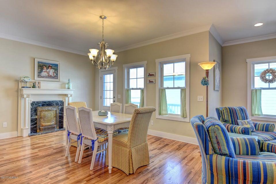 Live Oak Village Real Estate - http://cdn.resize.sparkplatform.com/ncr/1024x768/true/20171201164853392869000000-o.jpg